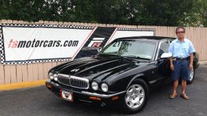 Mr Van Phan – Jaguar XJ8-L