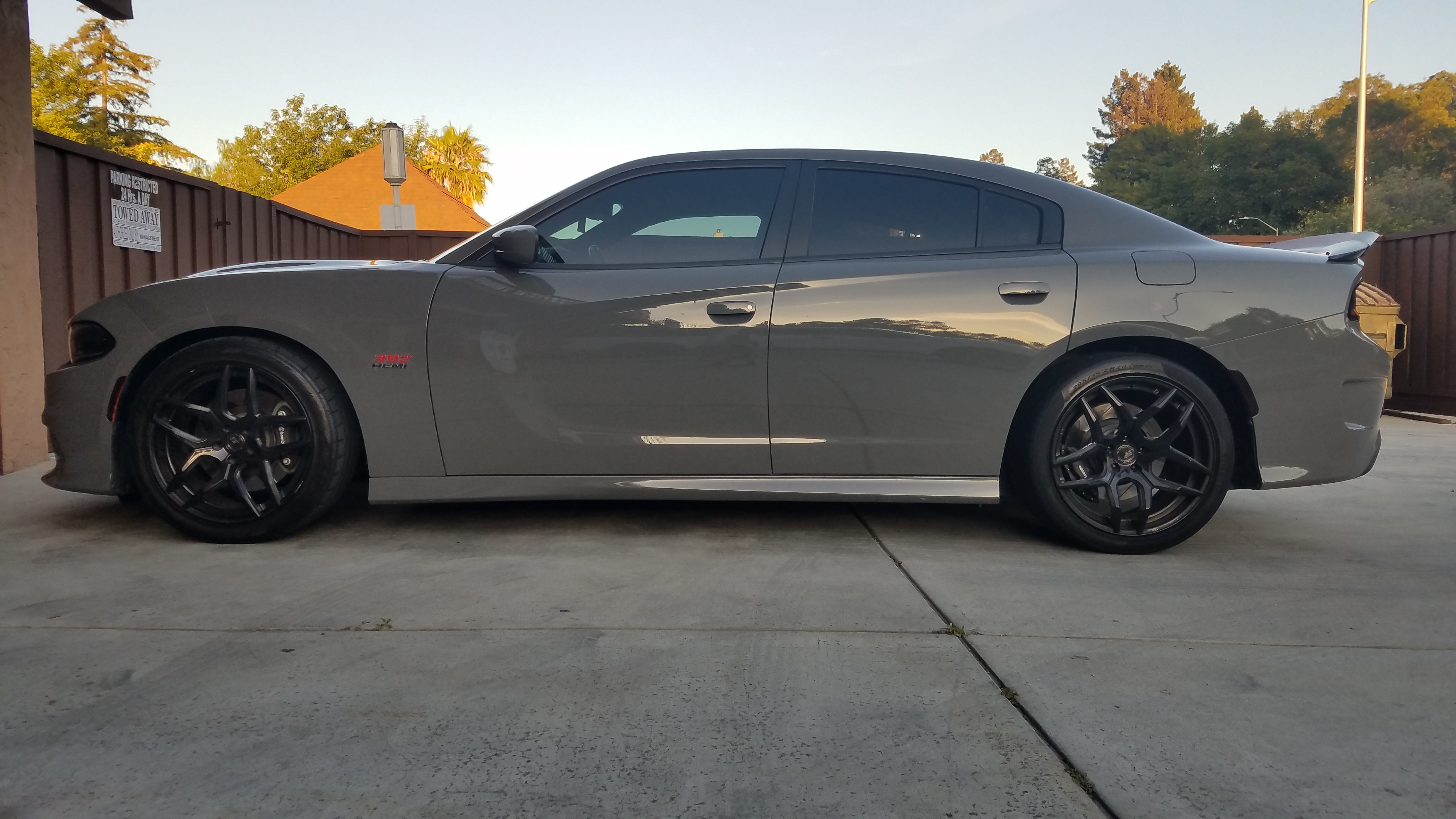 2018 Dodge Charger R/T Scat Pack - Side View