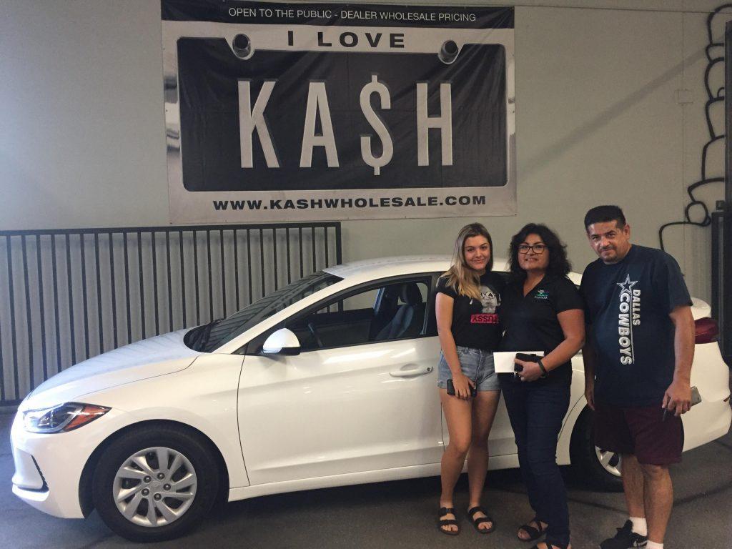 Customer Service Used Car Dealership | Pomona, CA | KASH Wholesale