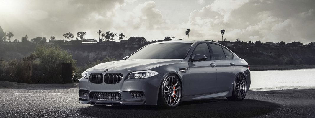 BMW-M5-Wallpaper-Desktop-Computer.jpg1_.jpg-compressor