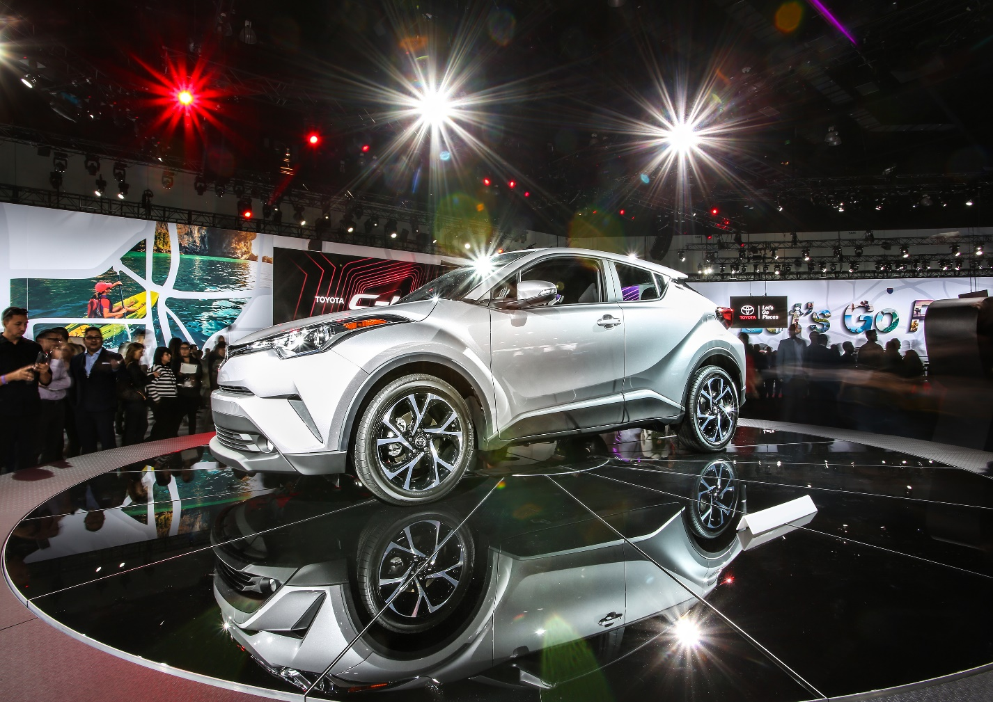 Toyota C-HR Impresses Critics