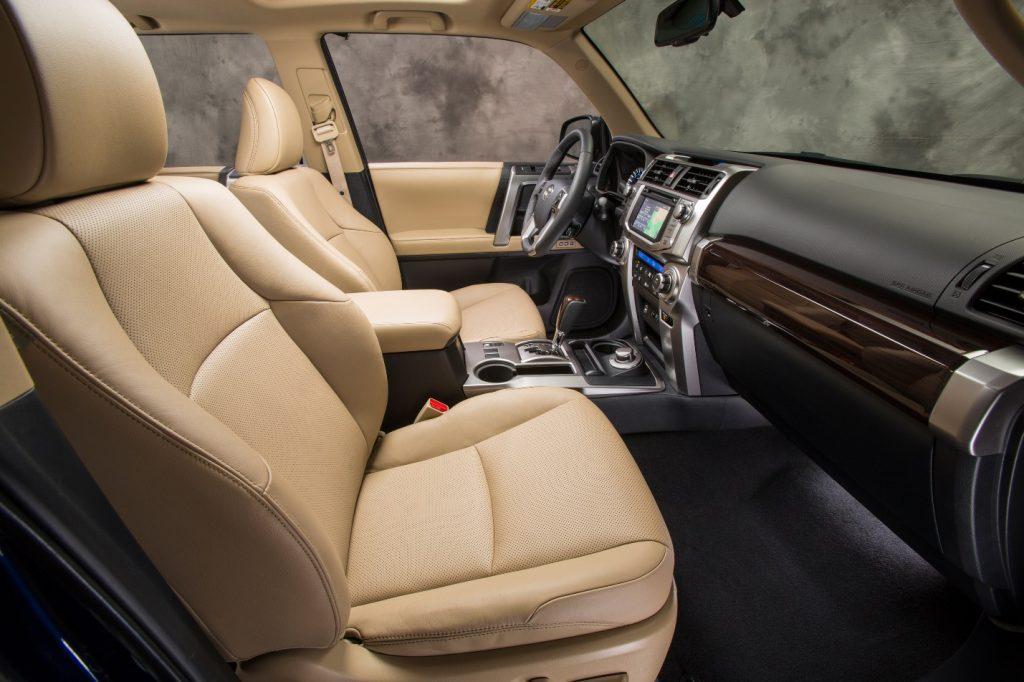 interior Toyota 4Runner