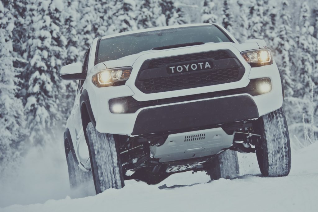 toyota tacoma in snow