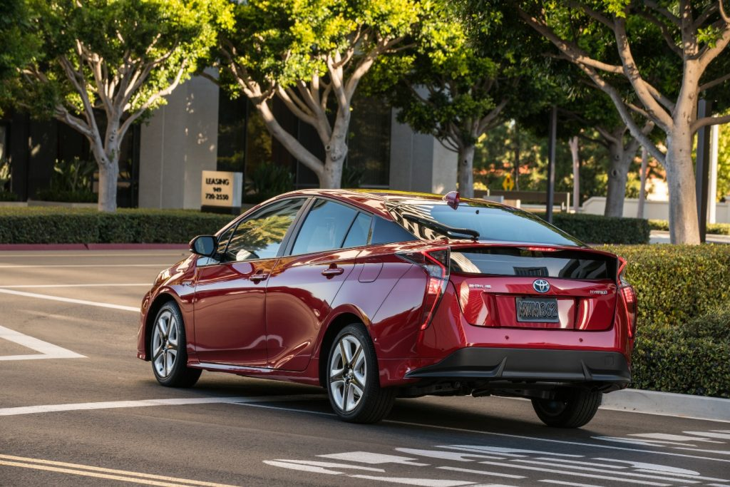 Toyota Prius Tops List of Car Awards